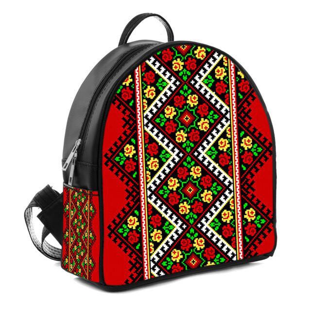 Черный женский городской рюкзак вышиванка с принтом