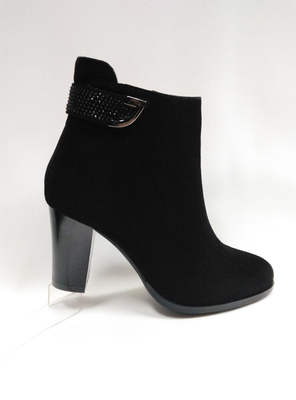 Черные замшевые ботиночки на каблуке. Ботильены. Маленькие размеры ( 33 - 35 ).