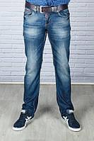 Мужские джинсы с ремнем
