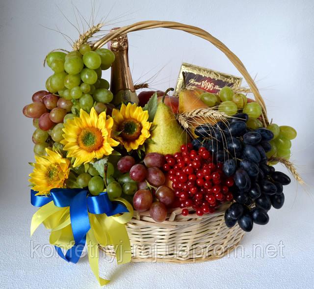 Корзина фруктов в Харькове