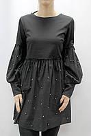 Платье свободного кроя с жемчугом и рукавами-фонариками