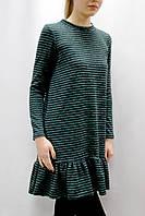 Трикотажное платье с широким воланом