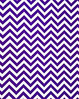 Подарочная бумага (упаковочная) белого цвета с фиолетовыми (сиреневыми) зигзагами