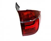 Задний фонарь  BMW X5 E70 (Правый)  RH WITH Автолампа SLAT