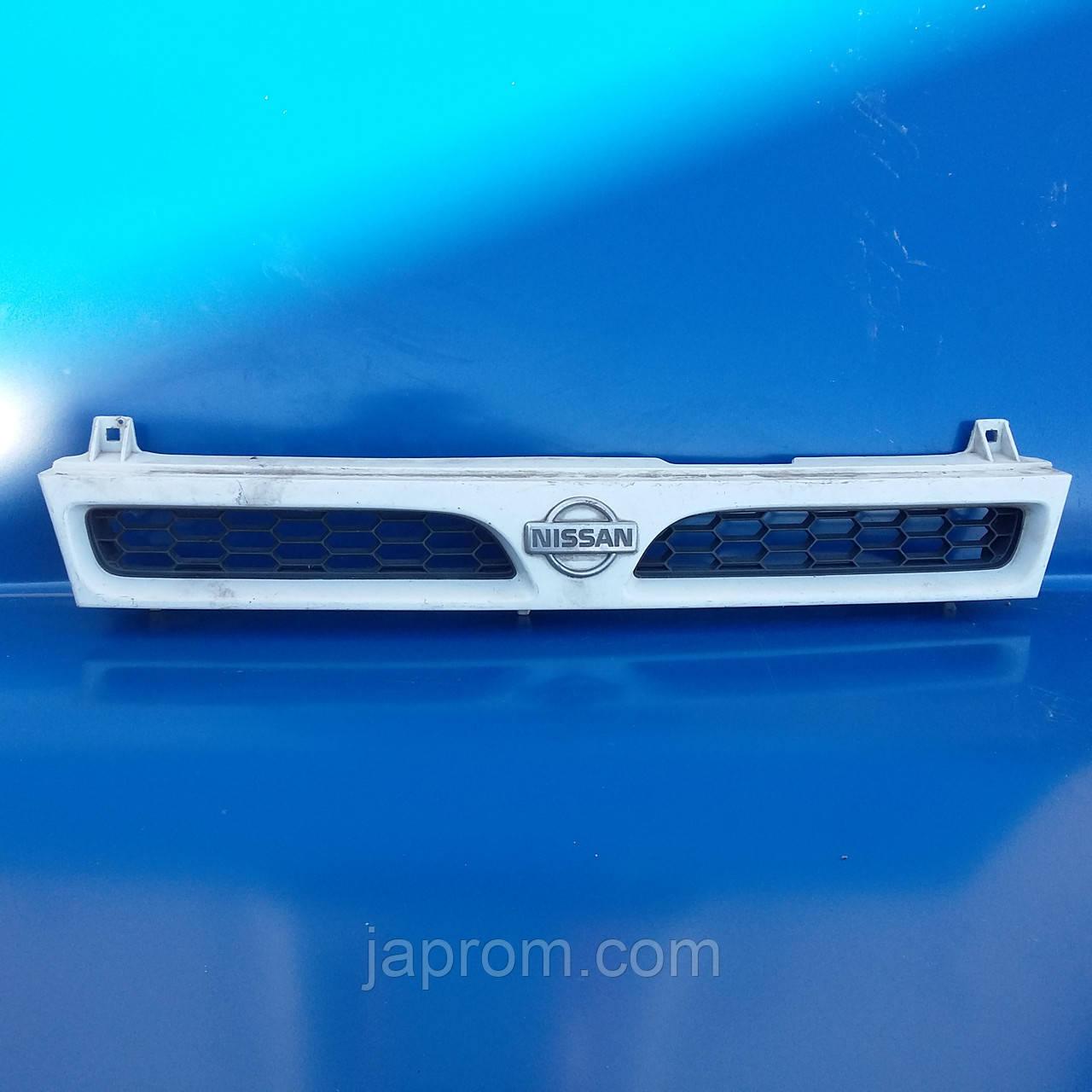 Решетка радиатора Nissan Sunny N14 1990-1995г.в.