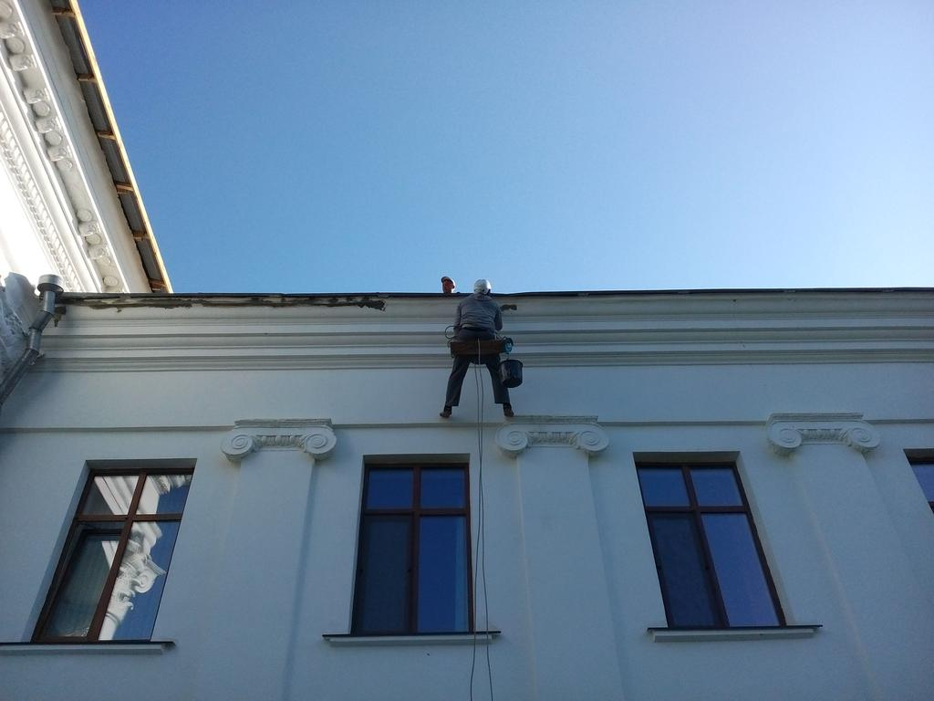Реставрация фасада научного института Аскания Нова 3