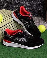 Черные кроссовки с красной подкладкой