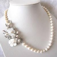 "Ожерелье ""Белый перламутр"""
