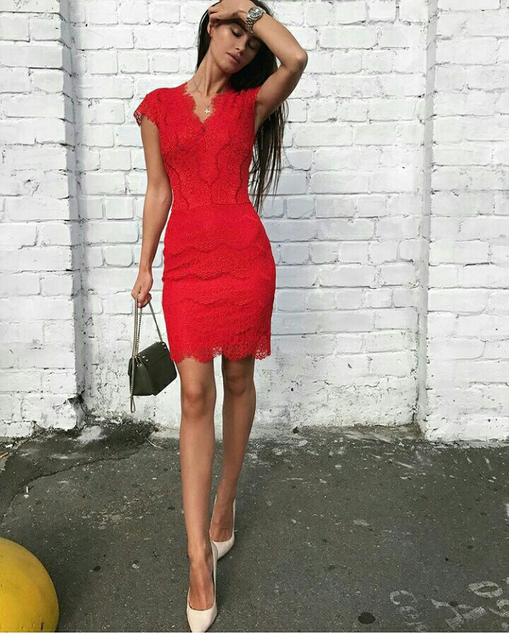 a1db5e3a86c Короткое вечернее кружевное платье по фигуре - Solodkova в Харькове