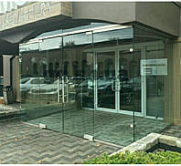 Стеклянный тамбур Glass Construct