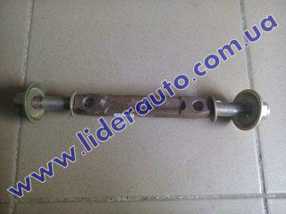 Ось нижнего рычага подвески в сборе ВАЗ-2101