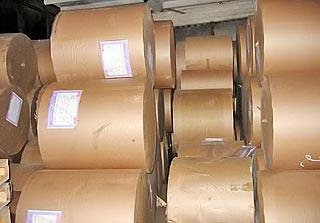 Папір крафт пакувальний, без друку, Ширина 70см. щільність 70 грам / м2. Вага від 500кг.