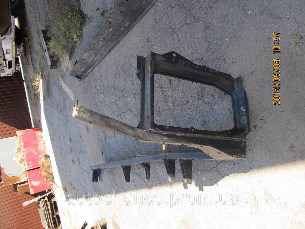 кронштейн крепления крыла и ступенек renault magnum