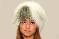 Шапка жіноча з хутра чорнобурки натуральна.