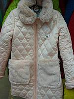 Красивая демисезонная куртка с мехом