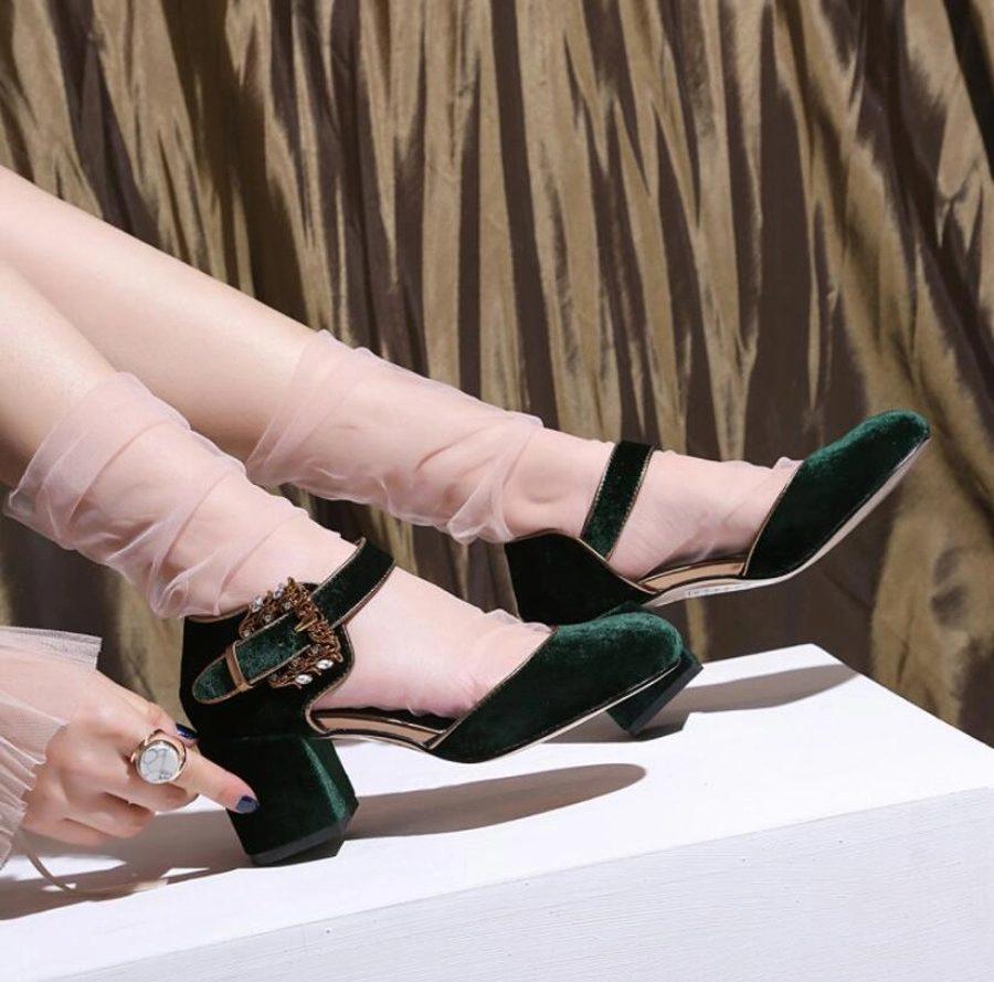 c2da35974377 Женские нарядные туфли вельвет на каблуке - Garderobplus предлагает бренды  оригиналы и копии мировых брендов одежды