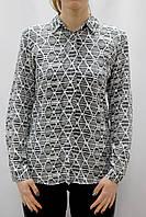 Черно-белая женская рубашка с принтом