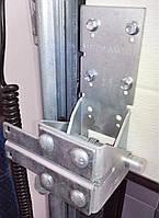 Кронштейн для ролика нижний RBI446 ворот Alutech RBI446 L левый