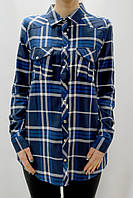 Темно-синяя удлиненная женская рубашка в клетку