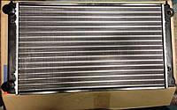 Радиатор охлаждения VW Passat B3 1.6/1.8 525мм 353121253AC