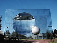 Фасадное остекление спайдерное безрамное Алюминиевые фасады