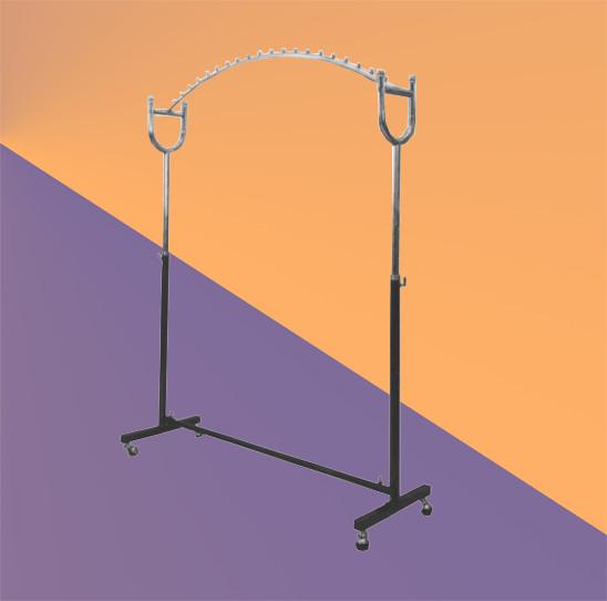 Дугообразная стойка вешалка для одежды