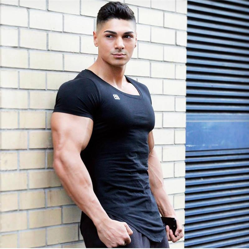 """Мужская футболка """"Body Engineers"""" черная"""