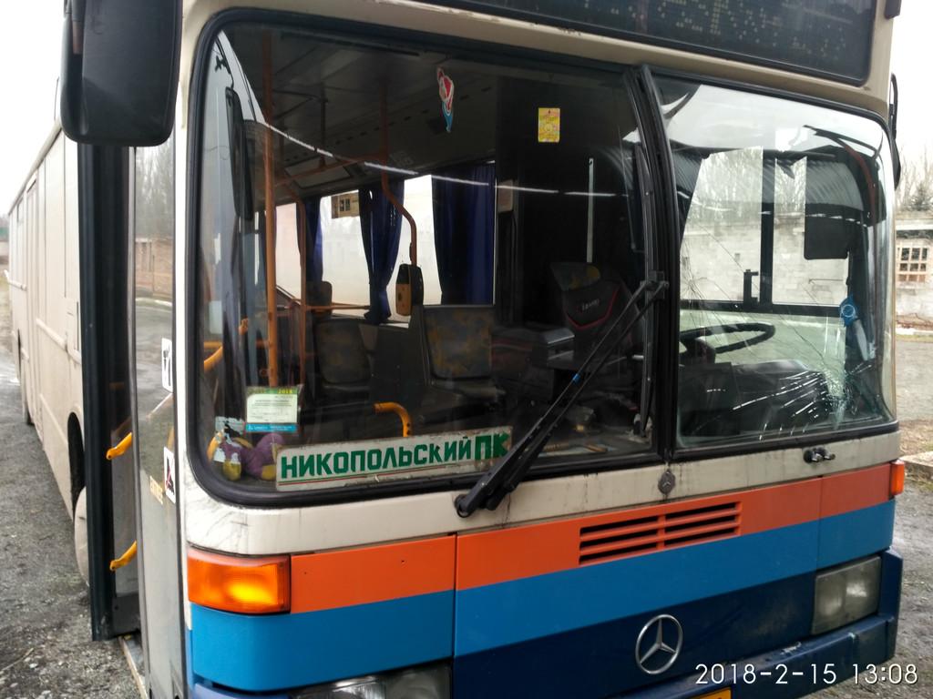 Изготовление и замена лобового стекла на Mercedes O 405 в Никополе