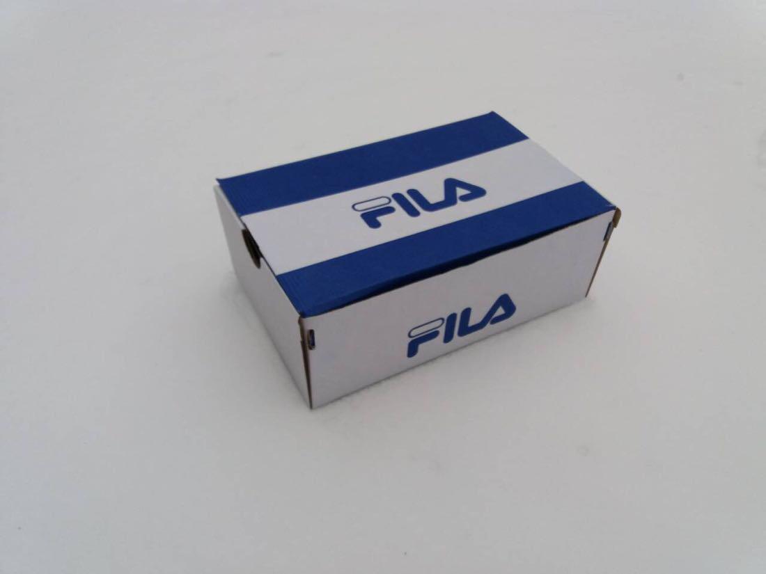 Коробка Fila біло-синього кольору