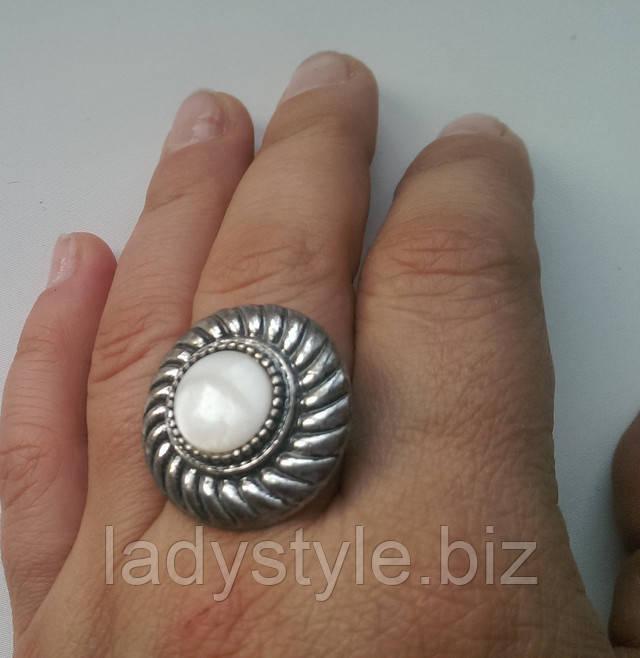 купить перстень с натуральным перламутром кольцо перламутр леди стиль