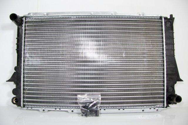 Радиатор охлаждения Audi 100 A6 (91-97) 2.6/2.8 2вых. 4A0121251Q
