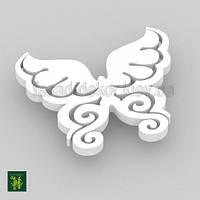 Бабочка фигурная белая / 30 см