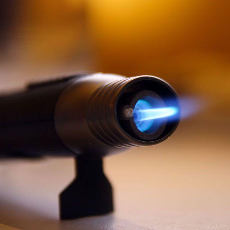 Ремонтная зажигалка (плавит металл)
