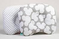 Подушка для новорожденных ортопедическая BabySoon Микки и серый горошек 22 х 26 см (155)