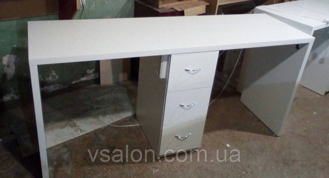 Стол маникюрный на два рабочих места с общей тумбой V211