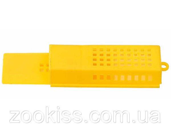 Клеточка для матки пластмассовая (желтая)