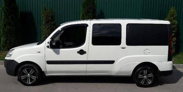 Задний салон, длинная база левое окно на Fiat Doblo 2000-