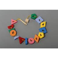 Деревянная игрушка шнуровка бусы Ключ и формы Komarovtoys (К 146)