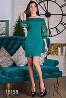 Декольтированное платье с прозрачным рукавом с вышивкой