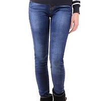 Женские джинсы синего цвета с манжетами