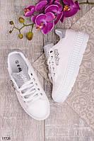 Женские кроссовки на утолщенной подошве с серебристыми блестками на язычке белые, фото 1