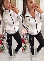 Женский трикотажный спортивный костюм Адидас брюки и ветровка