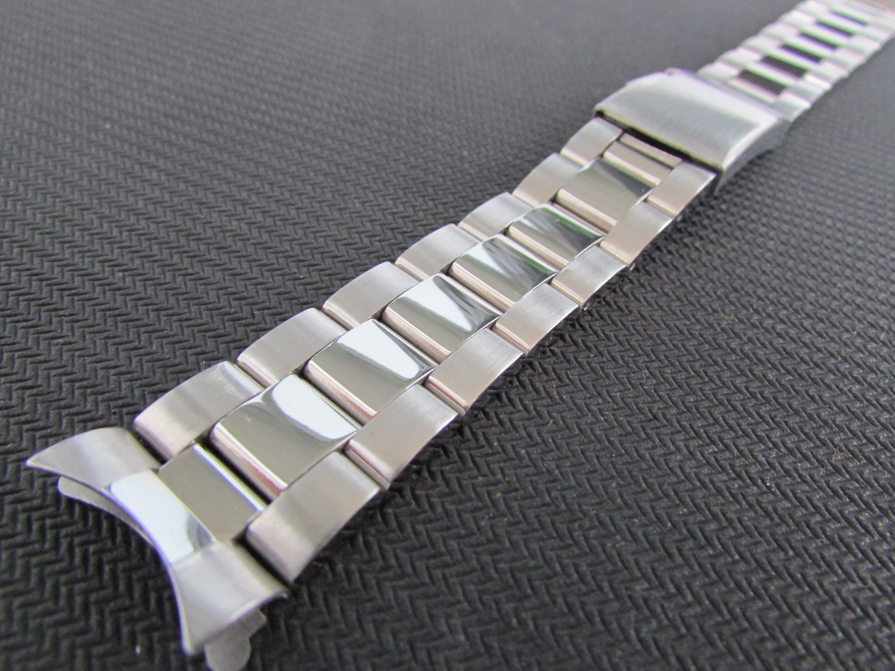 Браслет для часов из нержавеющей стали 316L, литой, заокругленное окончание, мат/глянец. 22 мм