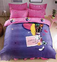 Красивое постельное белье с ярким принтом