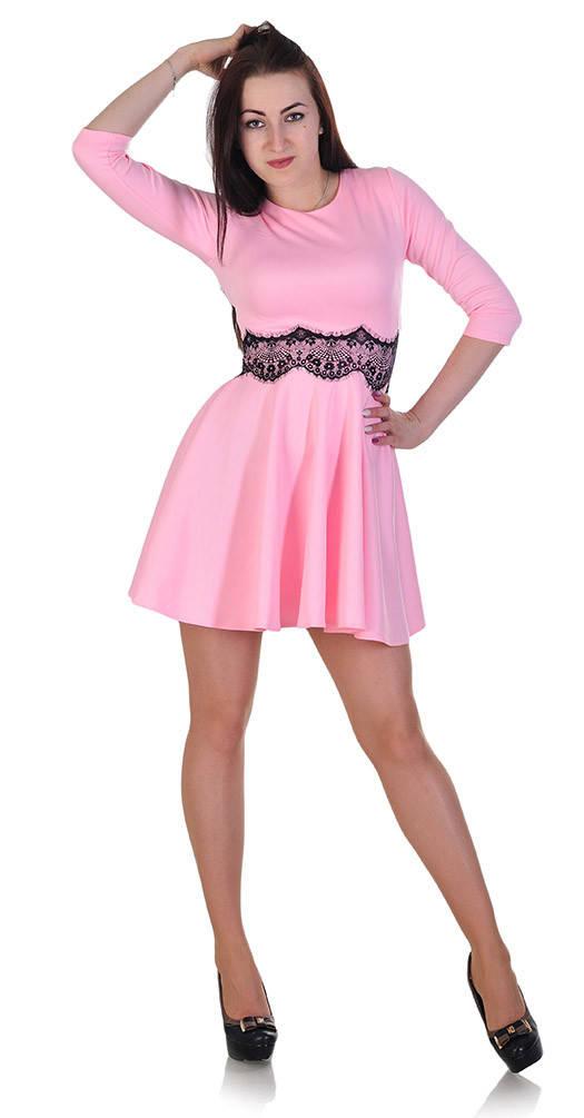 Платье с гипюром на талии светло-розовое