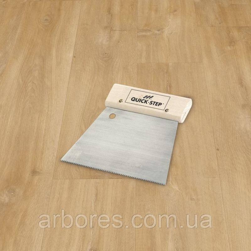 Шпатель Quick-Step зубчатый A2 для клея под виниловые покрытия