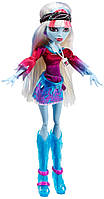 Кукла Monster High Эбби Боминейбл Музыкальный фестиваль – Abbey Bominable Music Festival