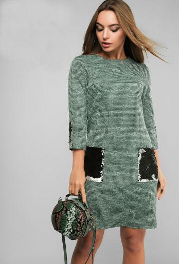 Модное платье с накладными карманами