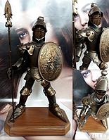 Аксессуар Рыцарь с узорами на щите и копье 50 см. с подставкой