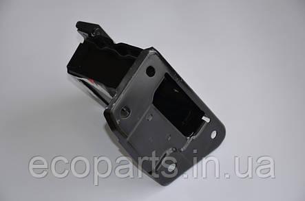 Кронштейн переднего усилителя бампера правый Nissan Leaf, фото 2